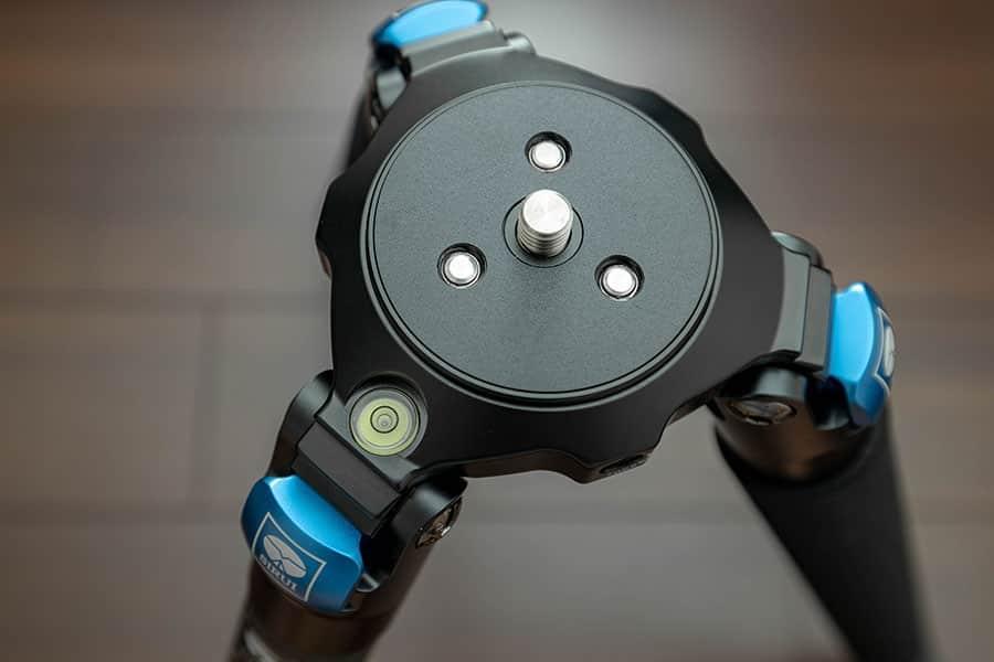 パイプ径33mmの大型三脚 SIRUI 大型カーボン三脚 3段 R-4213X