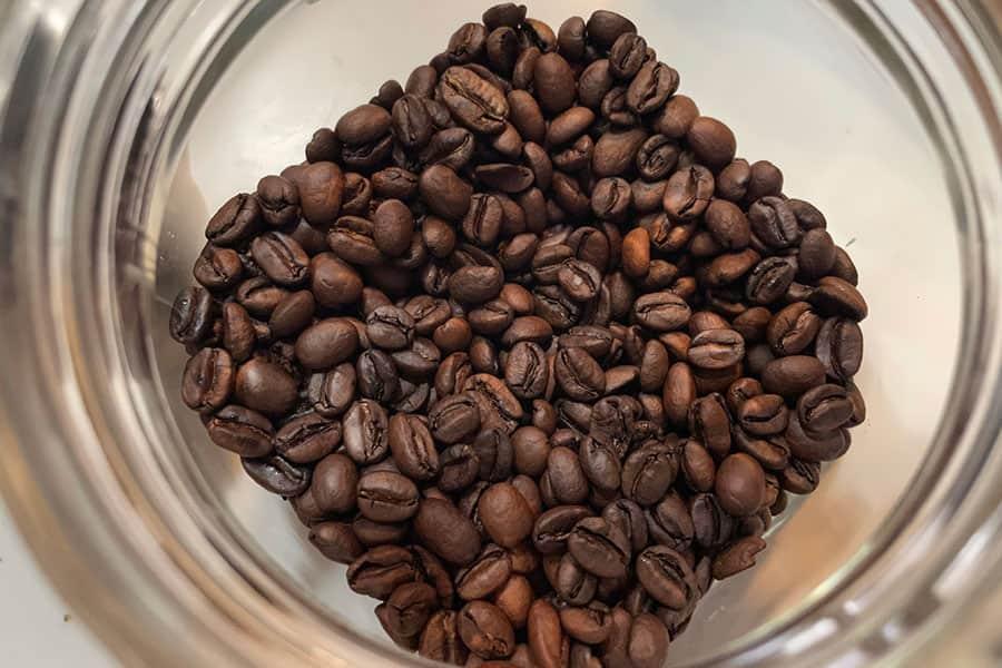 自宅で焙煎したコーヒー豆 中煎り