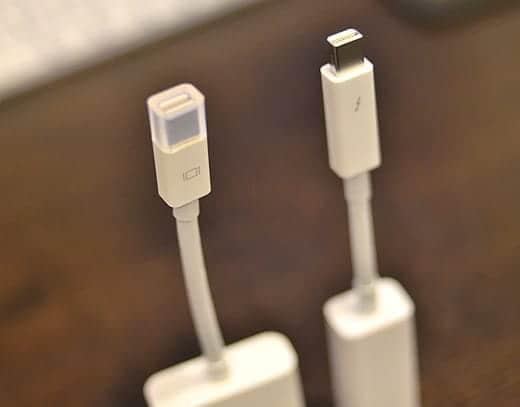 Mini DisplayPort - VGAアダプタとThunderbolt - ギガビットEthernetアダプタ