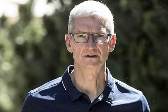 iPhone不振で採用削減 クックCEOが明言