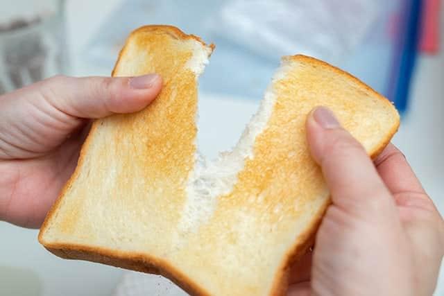 約5gの水分を吸い込んでサクフワのトーストができるパン型スチーマーを試してみた