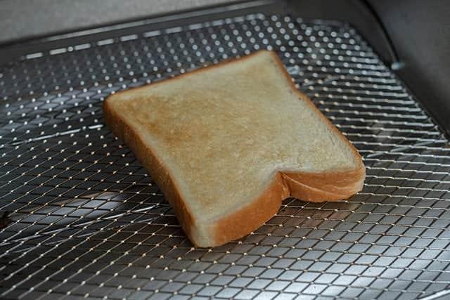 トーストスチーマーを入れないものと食べ比べ