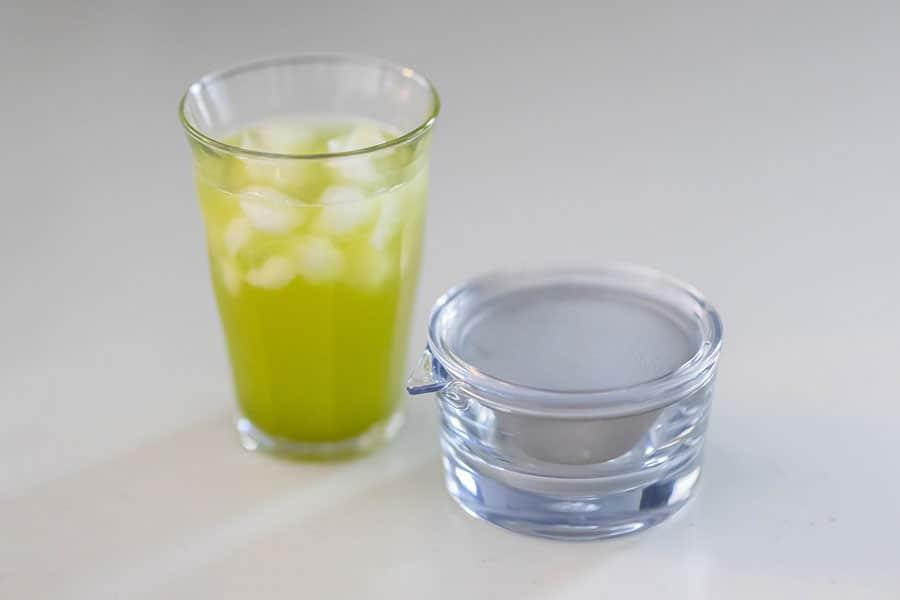 割れない・熱くない・手軽!1人用の緑茶をサッと淹れられる『透明急須』レビュー