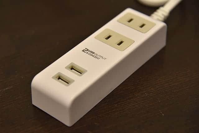 2個口 コンセントタップ & USB充電 2ポート 急速充電2.4A