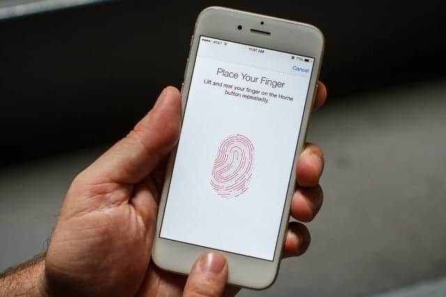 次期iPhone Touch ID廃止 今度は顔?