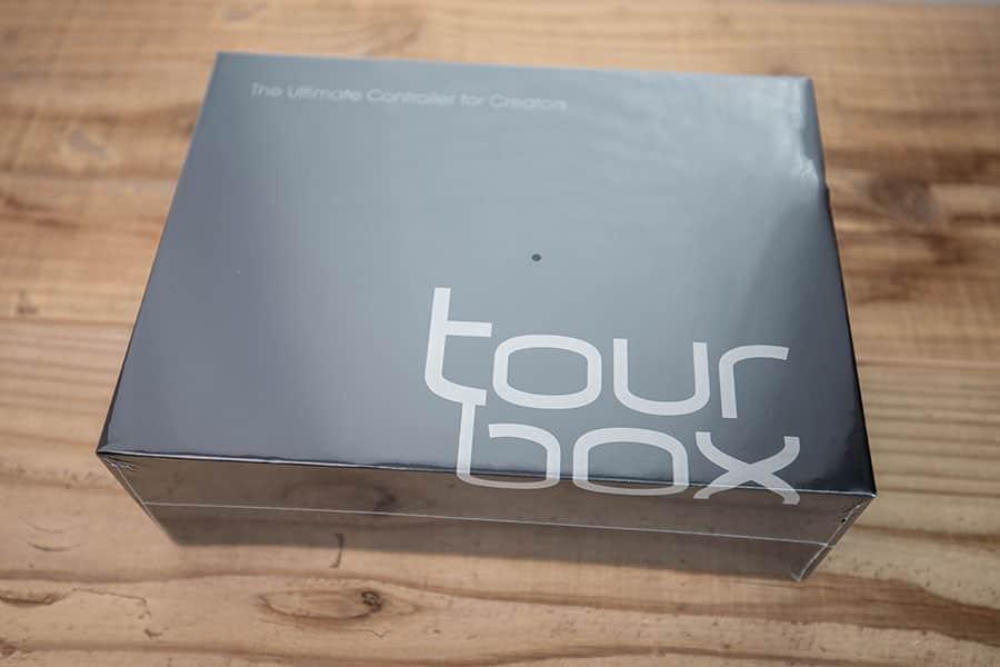 TourBoxのパッケージ
