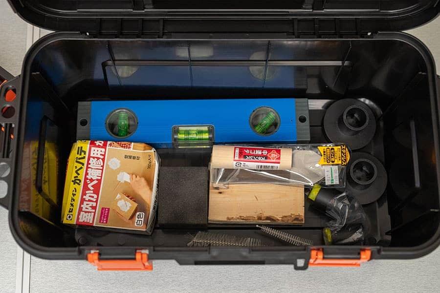 トラスコ スーパーハードボックスの1段目に水準器などを入れる