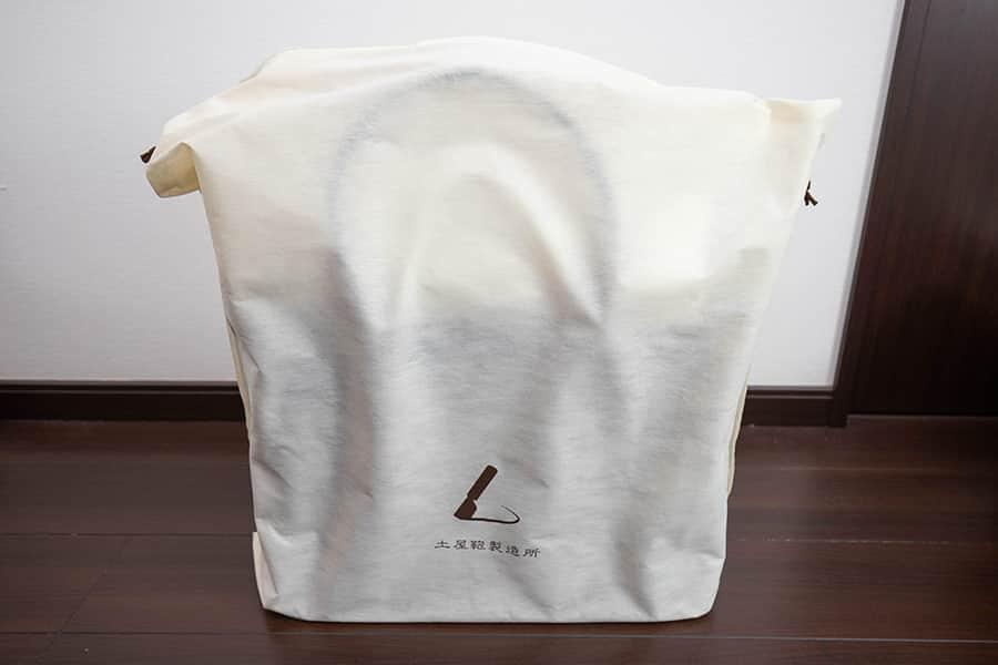 不織布の袋に入ったビークルラージストックトート