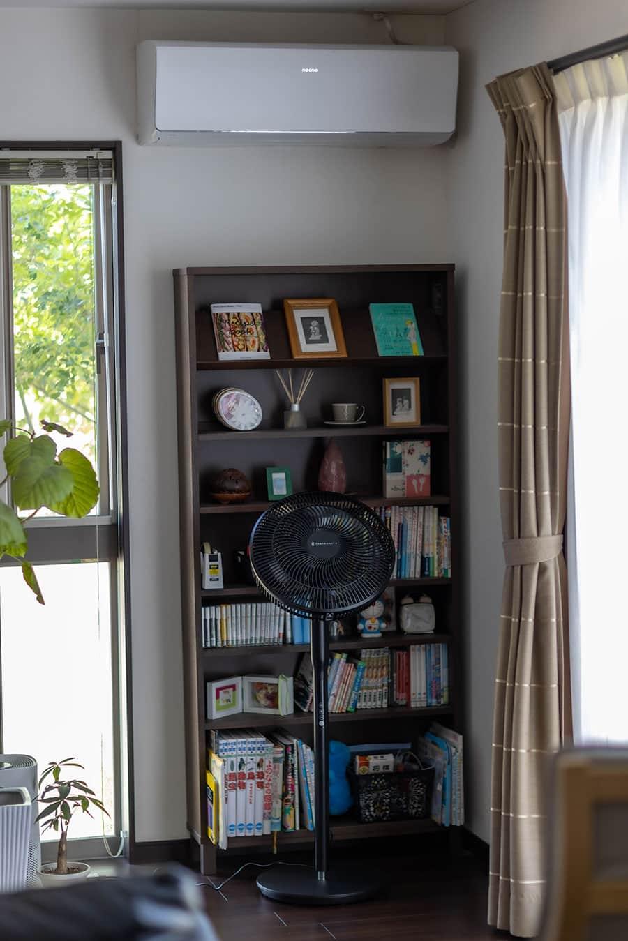 エアコンと一緒に使って室内の空気を簡単に循環できる