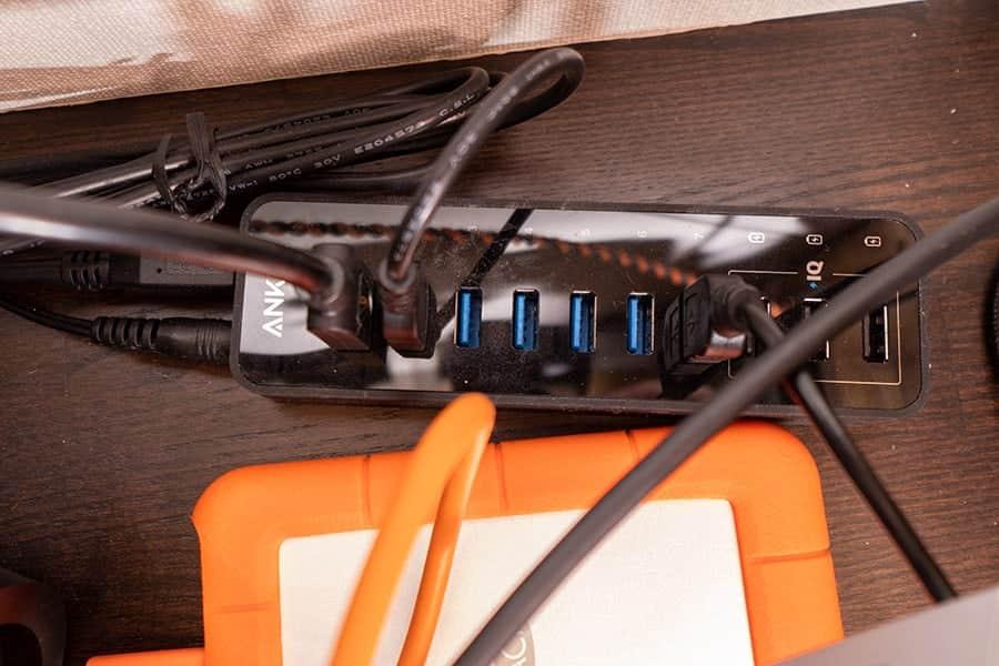 USBポートから出火?ホコリを溜めないための防塵保護キャップレビュー