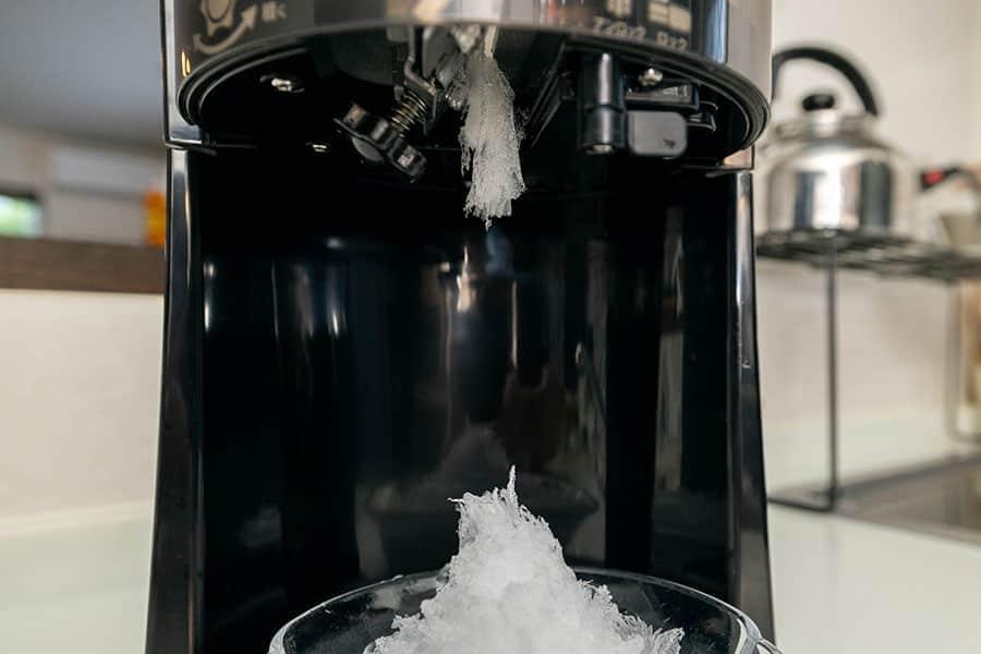 フワフワ状の氷が溜まることも