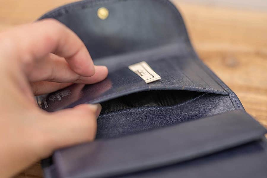 カードポケットの下 反対側にもポケット