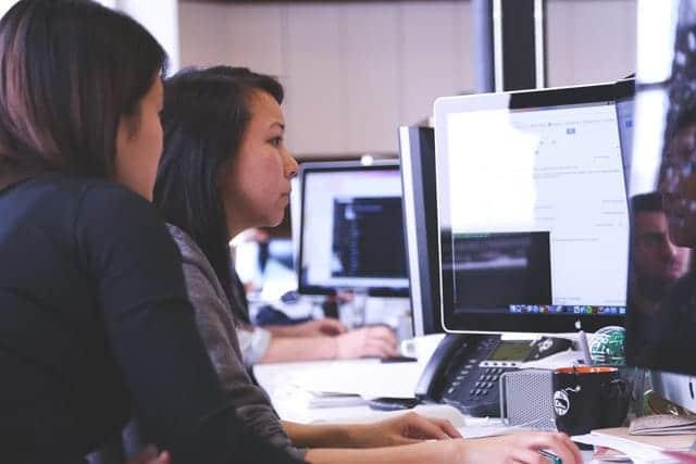 日本には「熱意あふれる社員」は6%。残りの94%はやる気がなく周りに不満を撒き散らすダメ社員ばかり。
