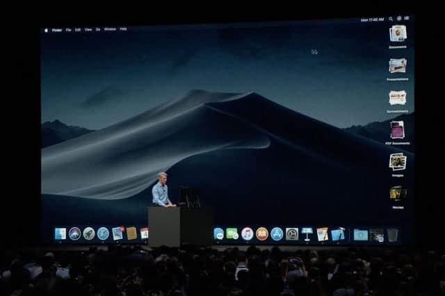 新しいMac発表なしだったので、ダークモードになっている