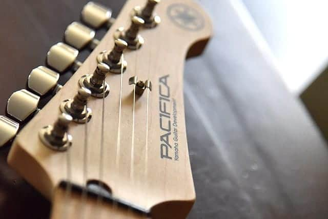 ネット通販でエレキギター購入時に注意した3つのこと。ヤマハのストラトをAmazonで買いました!
