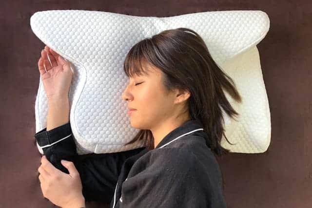 良質な眠りに浸れる横向き専用枕『YOKONE2(ヨコネ2)』いびきや肩こり、腰痛解消で快適寝返り睡眠